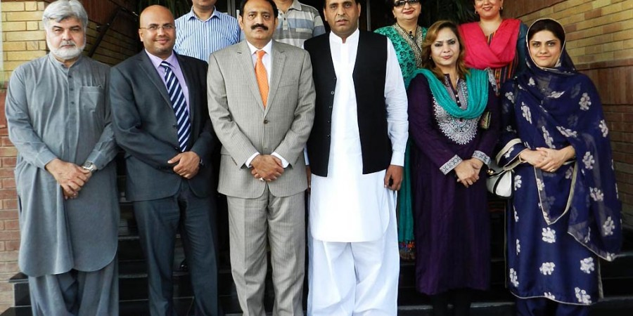Islamabad: 19th May - President ICCI Muzzamil Hussain Sabri posing for a group photo with Managing Director ACCIO Barcelona's Reigion Office in Asia Suprio Bose, during his visit to ICCI.  DNA Photo