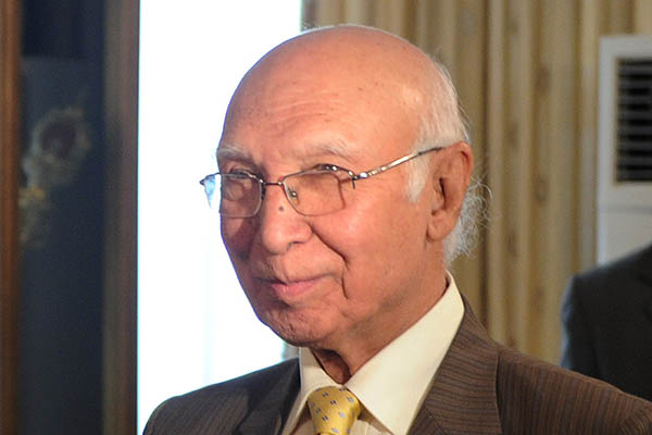 Pakistan, India Foreign Secretaries talks schedule intact: Sartaj