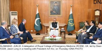 ISLAMABAD, JUN 20: A delegation of Royal College of Emergency Medicine (RCEM), UK, led by Dean RCEM, Jason Long in a meeting with President Arif Alvi, on Thursday.=DNA PHOTO
