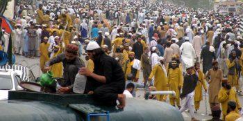 ISLAMABAD, NOV 01: Members of Jamiat Ulema-e-Islam-Fazl (JUI-F) participate in Azadi March rally in federal Capital, Islamabad.=DNA PHOTO