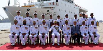 KARACHI, NOV 04: Chief of Naval Staff Admiral Zafar Mahmood Abbasi in a group photo with crew members of Pakistna Navys newly commissioned survery ship PNS BEHR MASAH at PN Dockyard.=DNA PHOTO