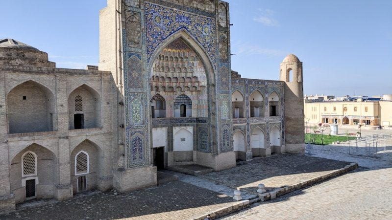 bukhara-uzbekistan-best-things-to-see-and-do-abdulaziz-khan-madrasah-3-800x600