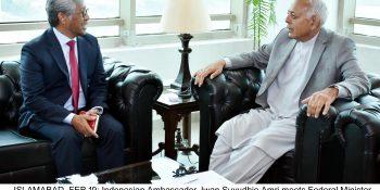 ISLAMABAD, FEB 19: Indonesian Ambassador, Iwan Suyudhie Amri meets Federal Minister for Aviation, Ghulam Sarwar Khan at Aviation Division.=DNA PHOTO