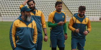 Mushtaq-believes-players-need-to-inspire-each-other-in-absence-of-fans-696x456