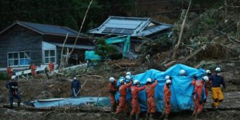 rescue-workers-were-trying-all-night-to-reach-750x430