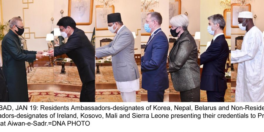 ISLAMABAD, JAN 19: Residents Ambassadors-designates of Korea, Nepal, Belarus and Non-Residents Ambassadors-designates of Ireland, Kosovo, Mali and Sierra Leone presenting their credentials to President Arif Alvi, at Aiwan-e-Sadr.=DNA PHOTO