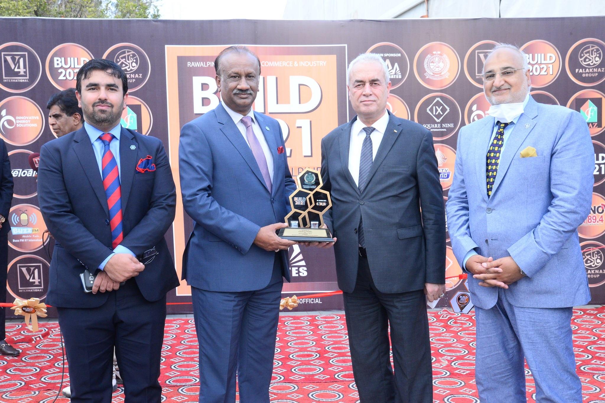 RCCI President Nasir Mirza Presenting memnto to Palestine Ambassador Ahmed Jawad Rabie at RCCI Build 2021 Expo Ayub Park